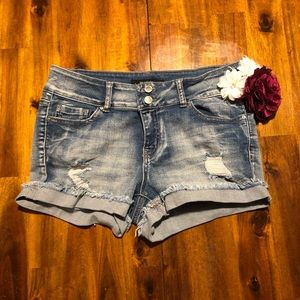 Cute jean shorts! Wax jeans, size M (6)
